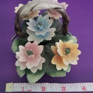 Capodimonte rose basket
